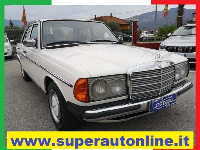 OLDTIMER Mercedes Benz 200 D.  ( DIESEL )  KM 191.000