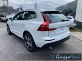 VOLVO XC60 B4 (d) AWD Geartronic Momentum Pro